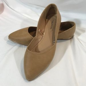 MAURICES TAN SIZE 7 WOMEN'S FLATS